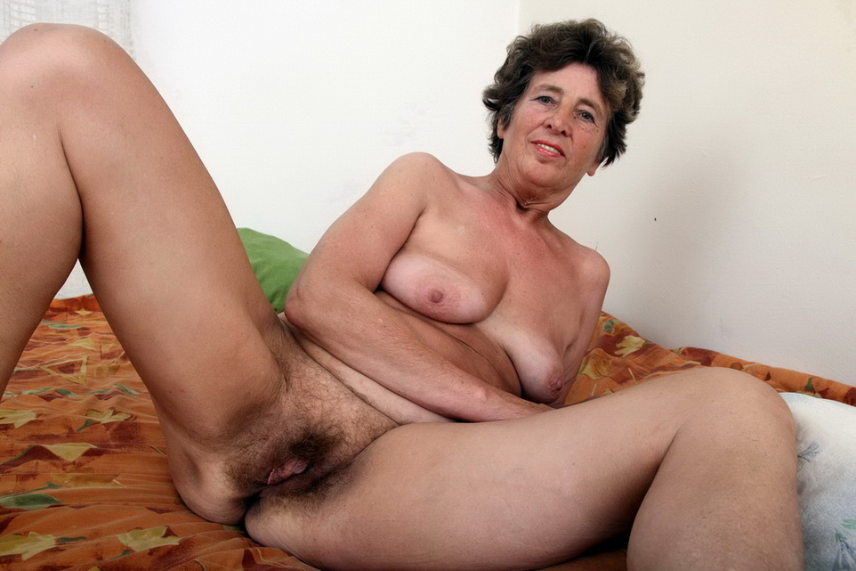 Old Woman White Hairy Pussy Free Porn Images